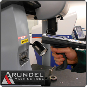 Arundel Machine Tool employee performing a gage scan with TracerPlus.